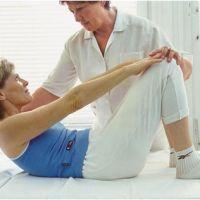 Какой врач поможет вылечить позвоночную грыжу?