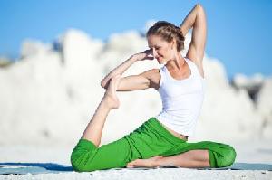 Кому полезна йога при шейном остеохондрозе