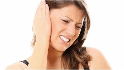 При остеохондрозе появляется боль в ушах