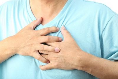 Межреберная невралгия симулирует боль в области сердца
