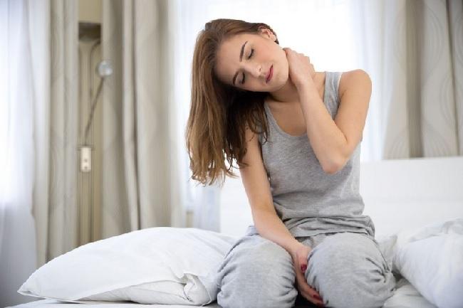 Болит шея и голова после сна