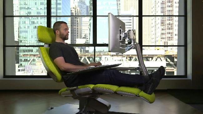 Ортопедический компьютерный стул